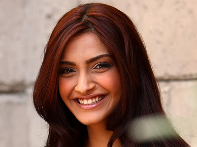 http://celebritiesphotoshub.files.wordpress.com/2013/02/sonam2bkapoor2bwallpapers2bphoto2b14.jpg?w=400&h=300