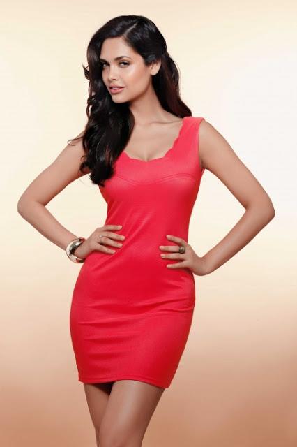 Esha Gupta's hot lingerie photo shoot goes viral | Esha Gupta