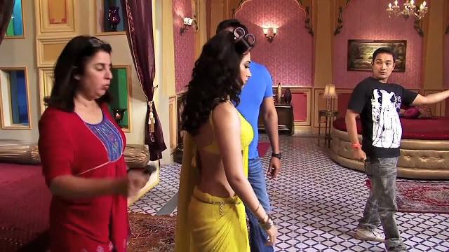 In Saree Tamanna In Himmatwala: Himmatwala Movie Set Stills